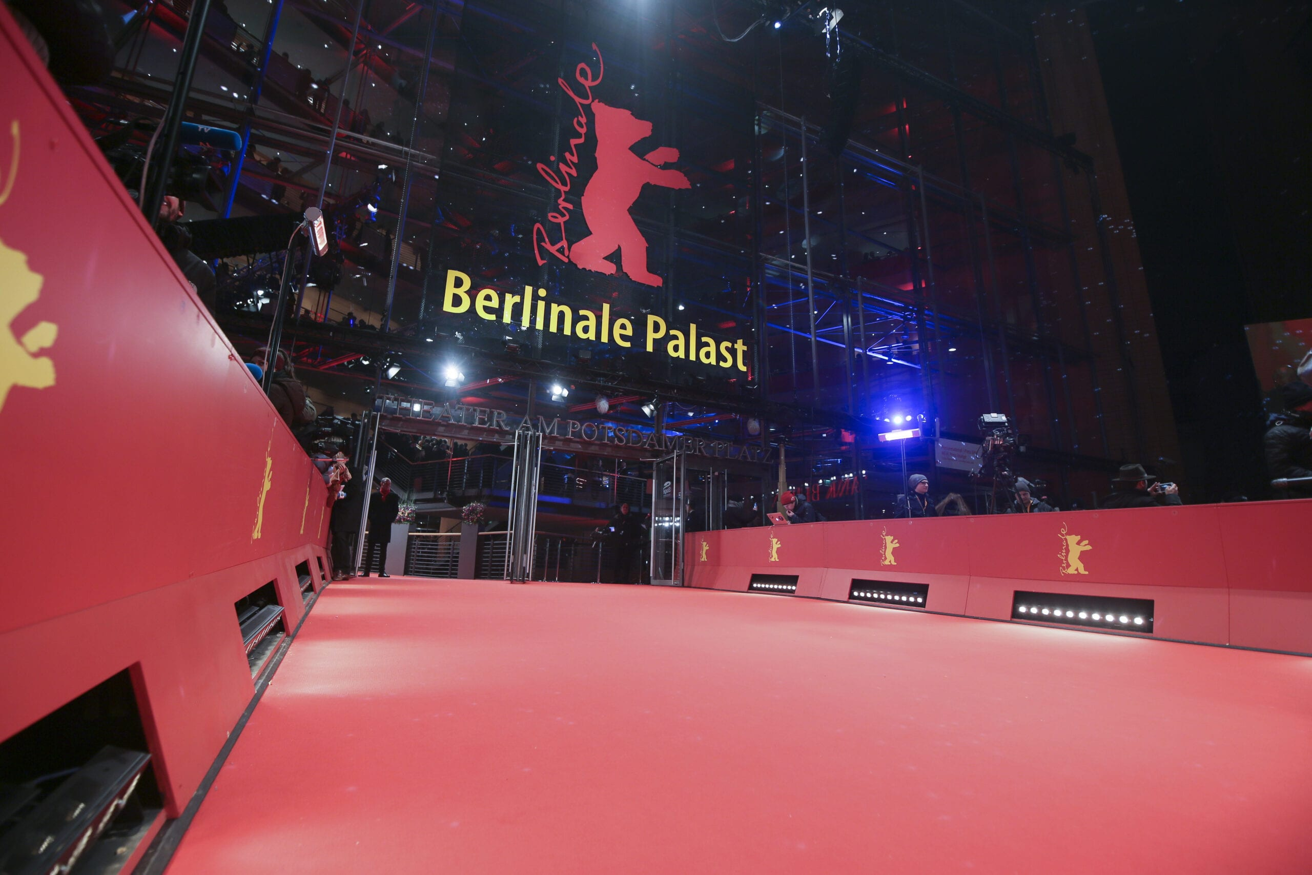 Собираемся на Берлинале 2020: смотрим на Хиллари Клинтон и ждем ренессанса Джонни Деппа