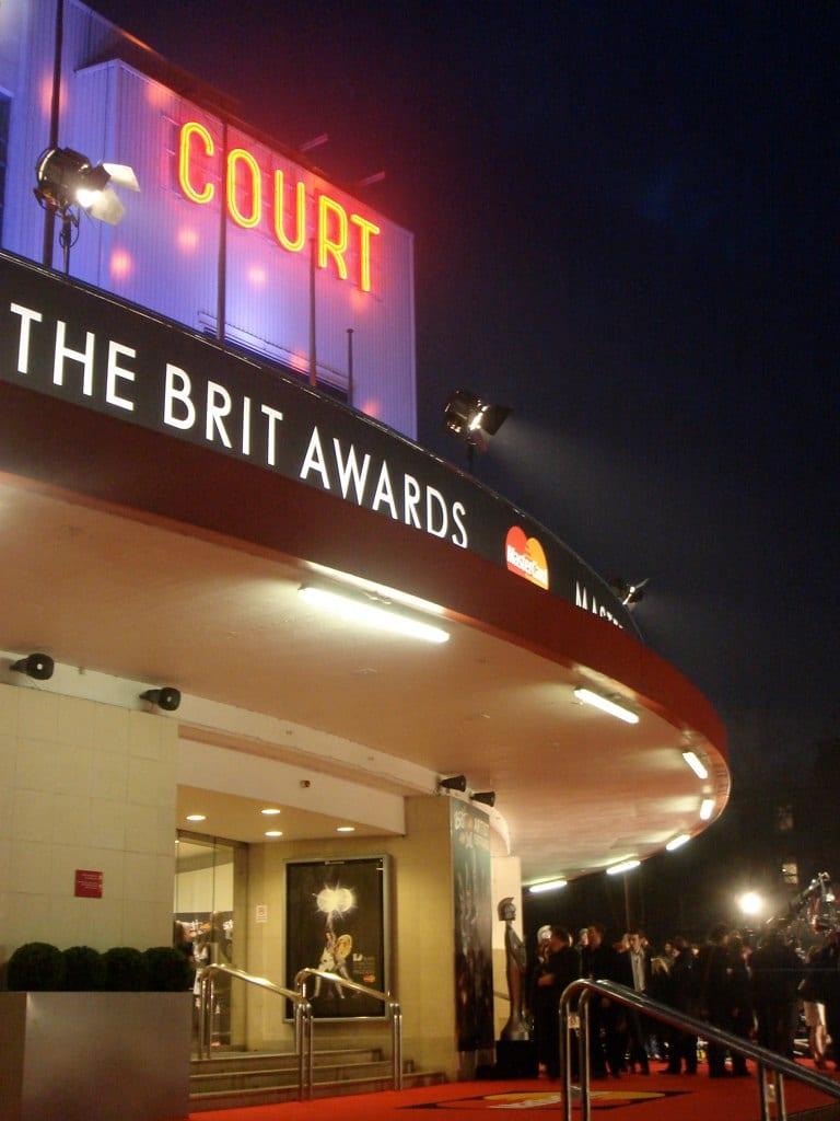 Названы лауреаты музыкальной премии Brit Awards 2020
