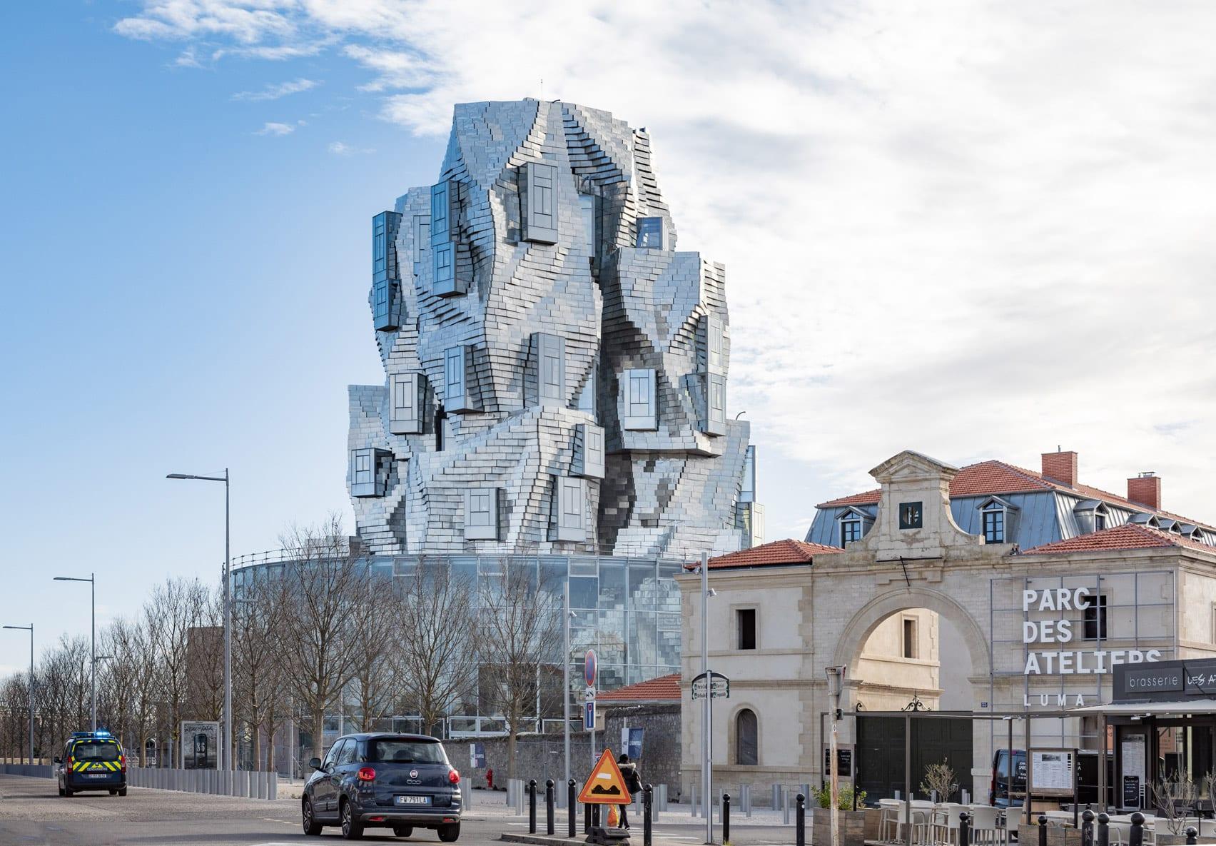 Строительство здания в Арле архитектора-деконструктивиста Фрэнка Гери близится к завершению