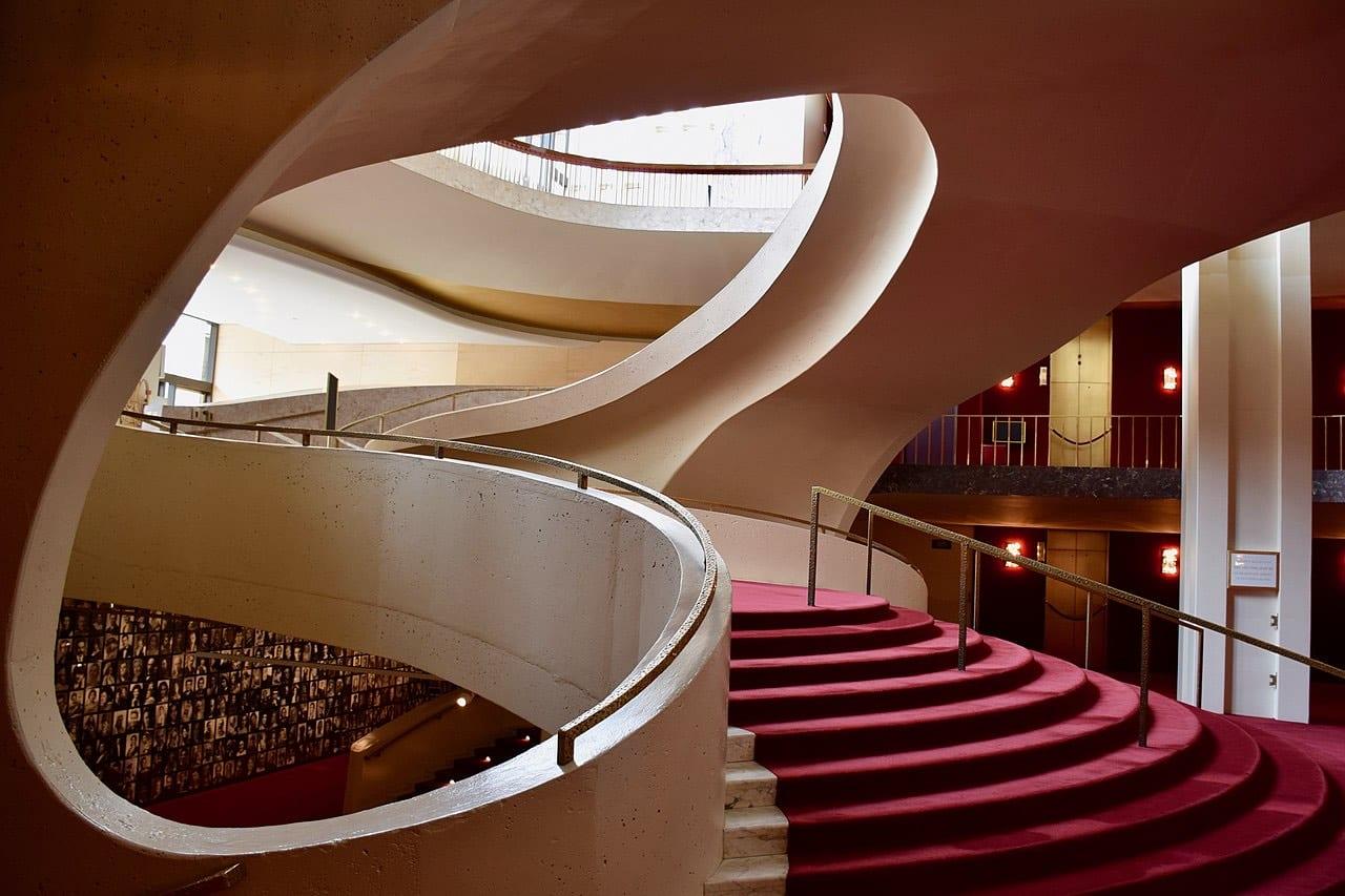 На этой неделе Метрополитен-опера будет бесплатно показывать спектакли онлайн