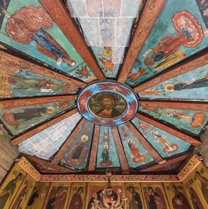 «Небеса» на земле: расписные потолки деревянных церквей