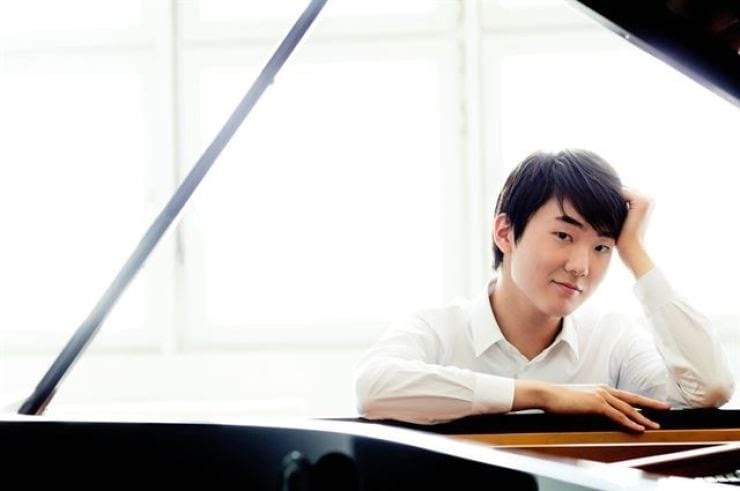 В Корее онлайн-концерты собирают миллионы зрителей