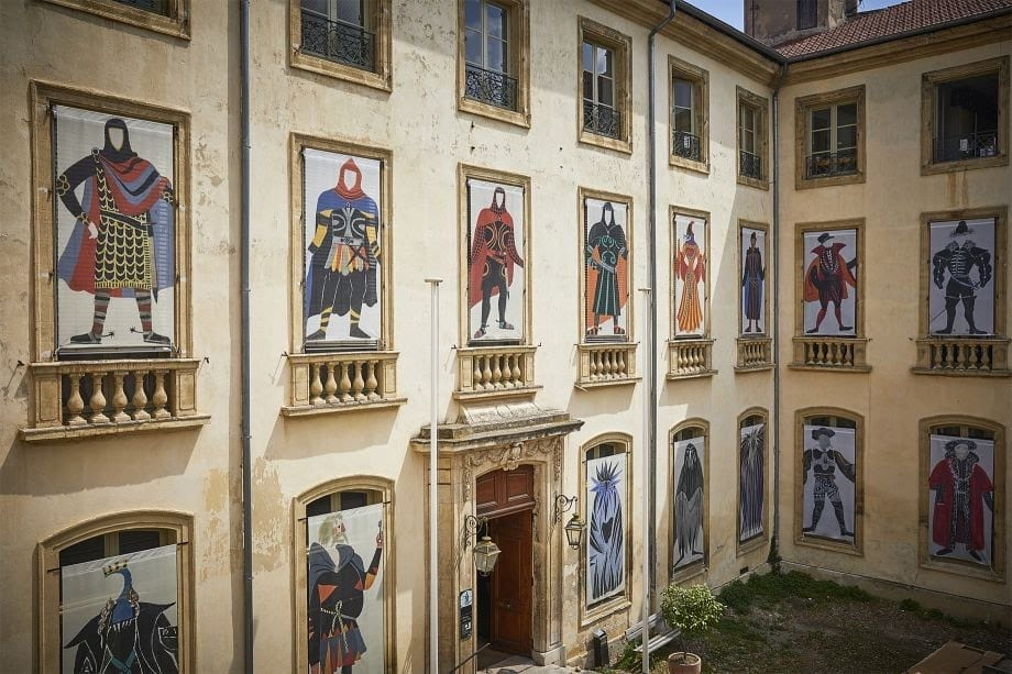 Франция готовится провести летние фестивали