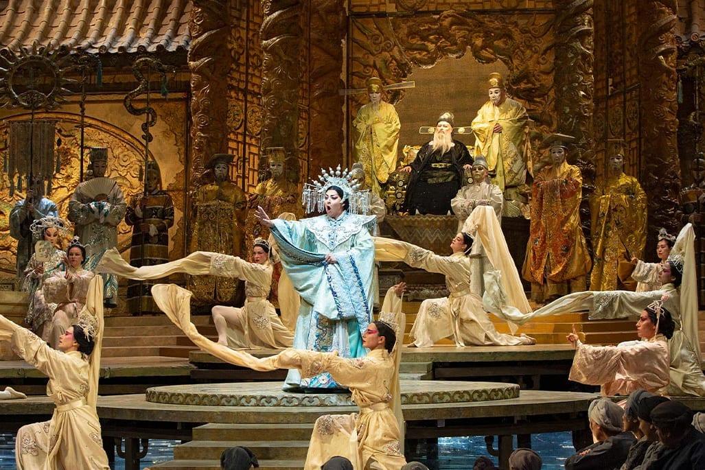 Метрополитен-опера объявила расписание трансляций с 19 по 25 мая