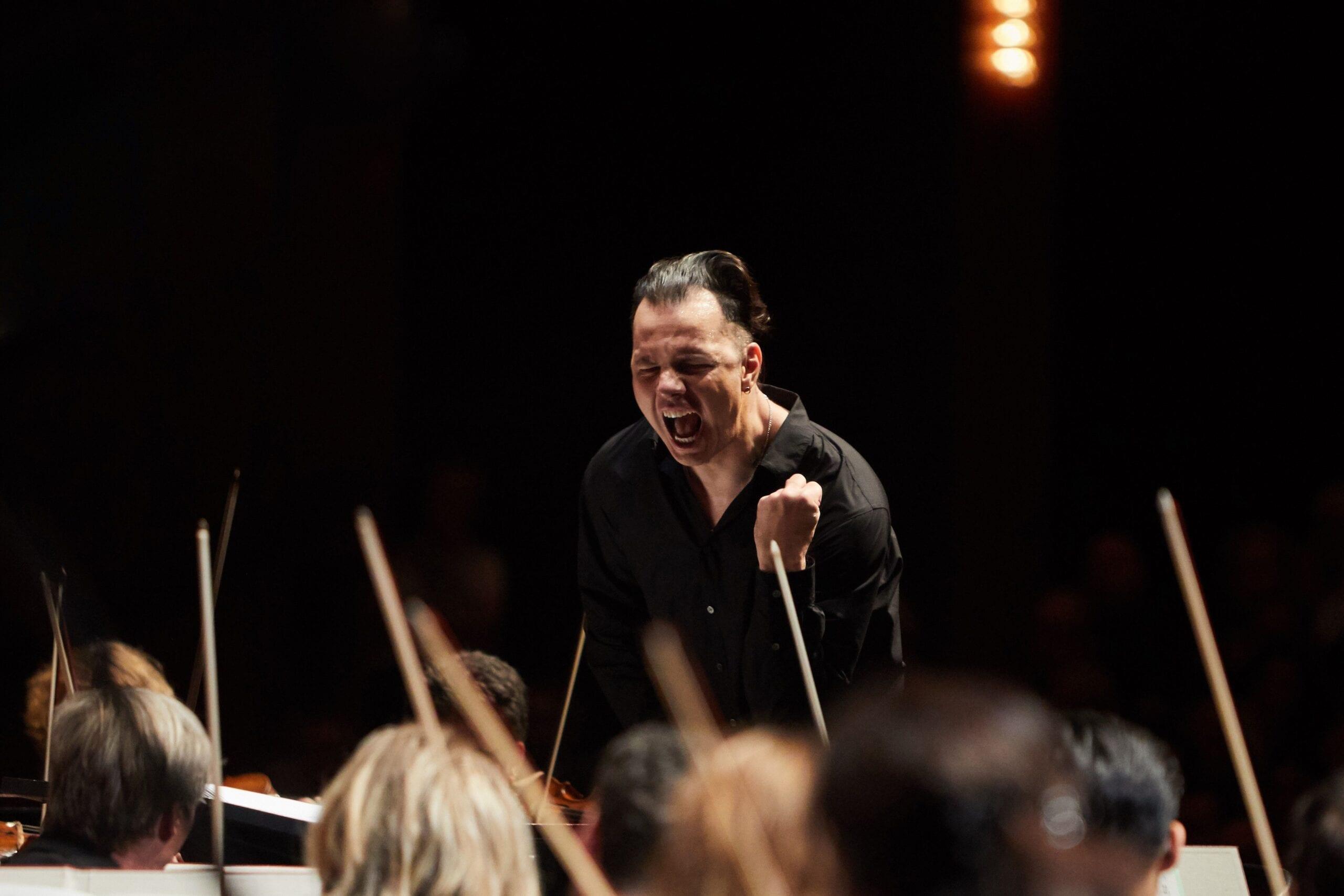 Запись лучших выступлений Теодора Курентзиса и musicAeterna для фестиваля «Оркестр года» можно посмотреть онлайн