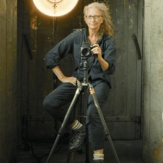 Онлайн-выставка Энни Лейбовиц Still Life class=