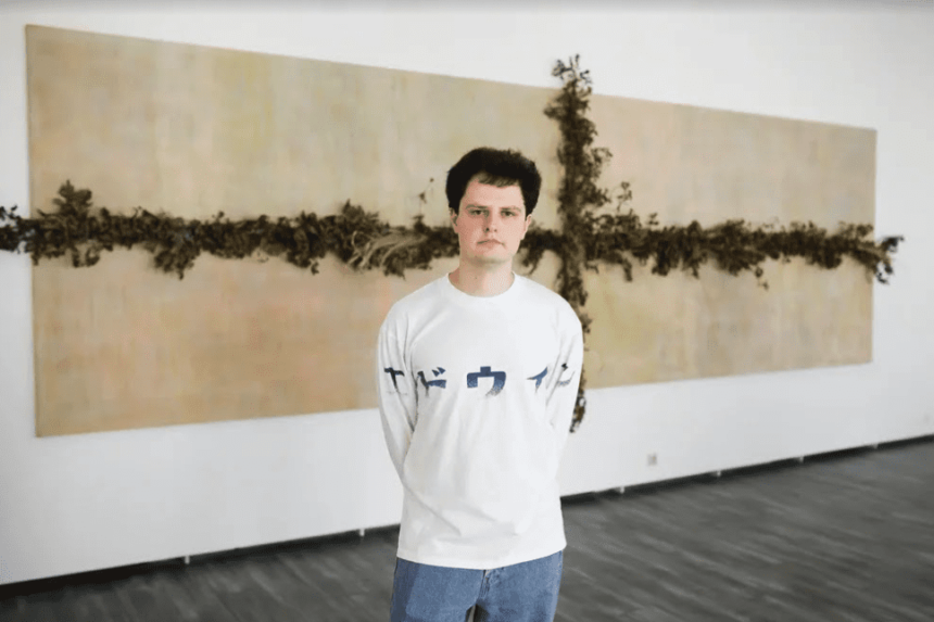 Выставка Ивана Новикова «Против зерна»: диалог природы и цивилизации