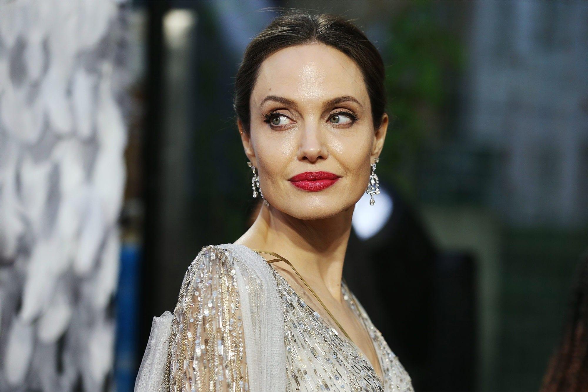 Анджелина Джоли иКристоф Вальц сыграют вдраме «Каждая сыгранная нота»