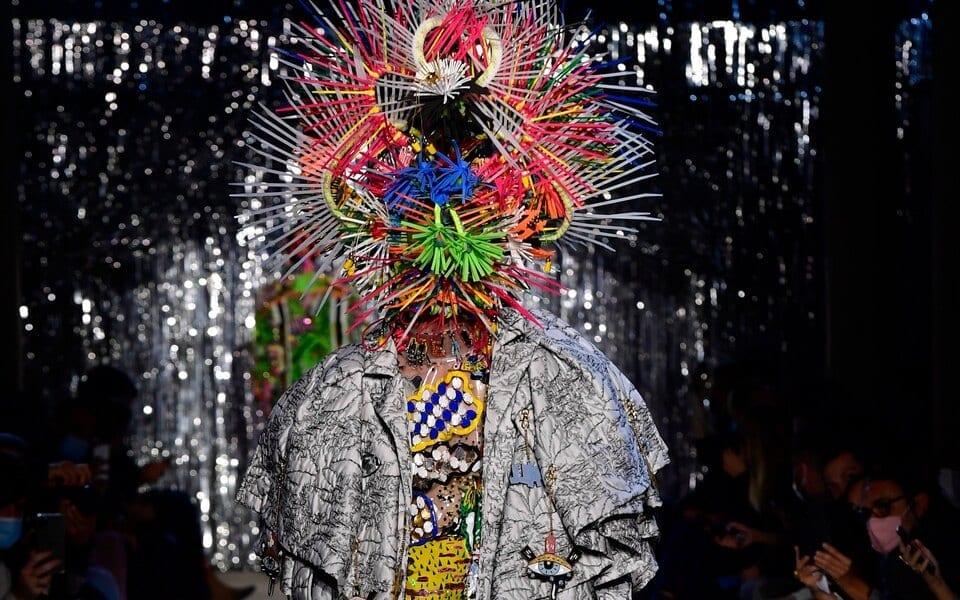 Гран-при фестиваля моды вЙере получил бельгиец Том Ван дер Борт
