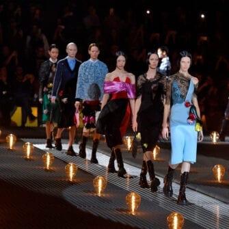 Неделя моды в Милане class=