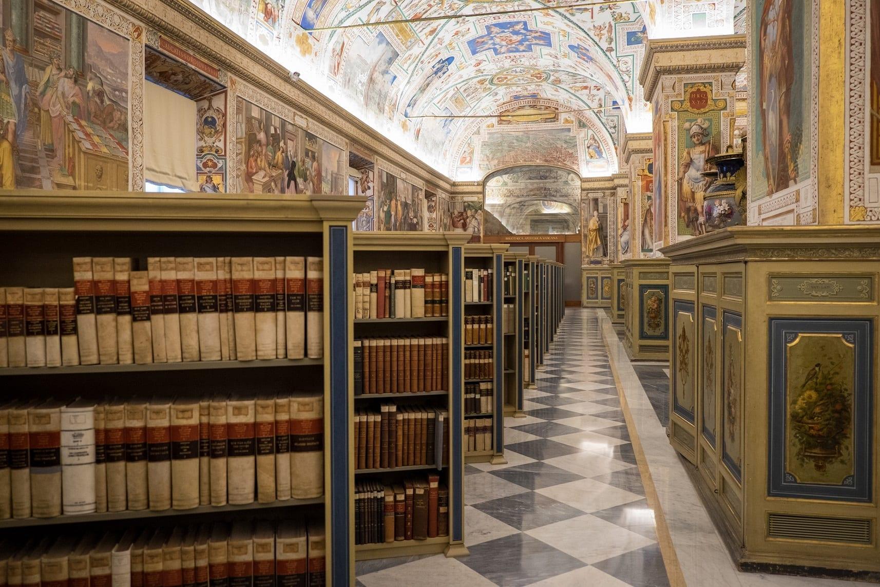 Искусственный интеллект будет защищать Апостольскую библиотеку вВатикане откибератак
