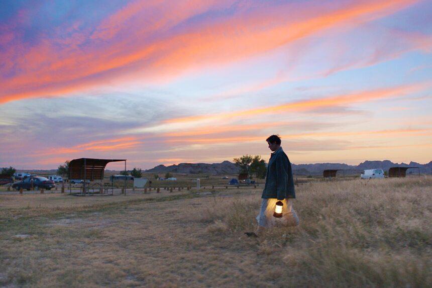 «Земля кочевников» стала лучшим фильмом 2020 года поверсии кинокритиков США
