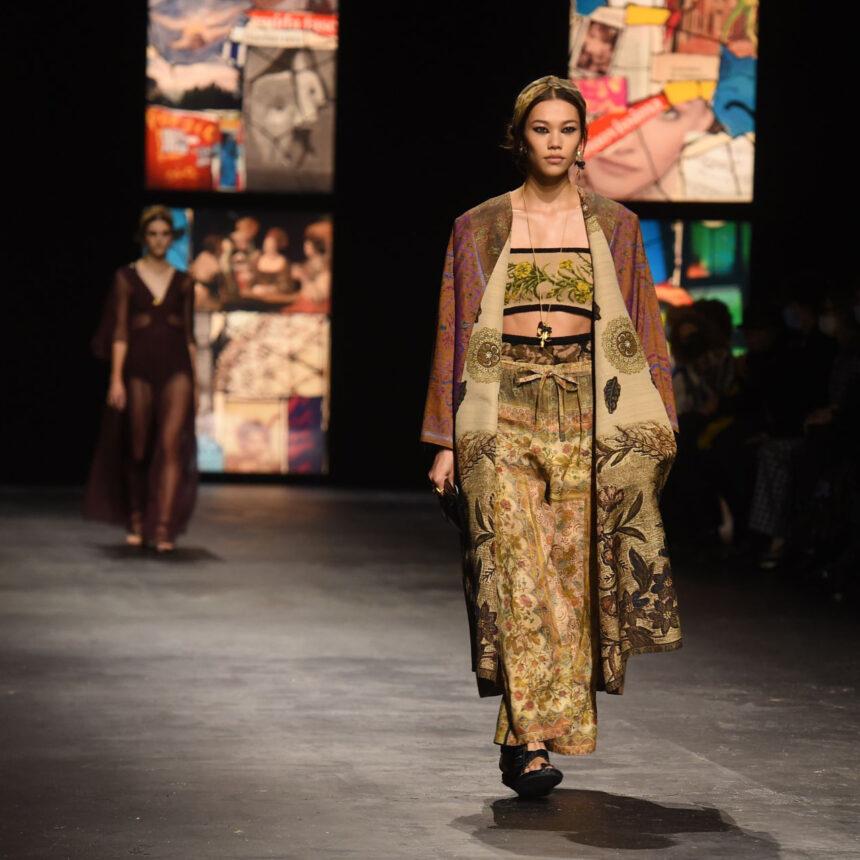 Недели моды в Париже