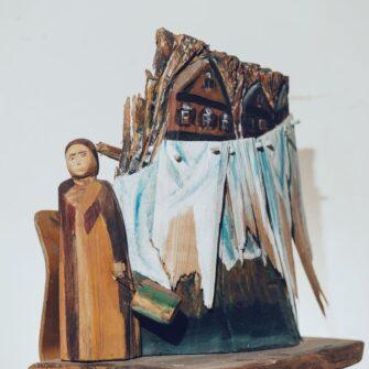 Выставка работ Гели Писаревой «Корни» class=