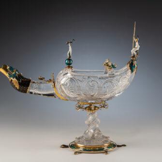 Выставка «Cartier: Продолжая историю. Шедевры декоративно-прикладного искусства изколлекции Государственного Эрмитажа иювелирное наследие дома Cartier» class=
