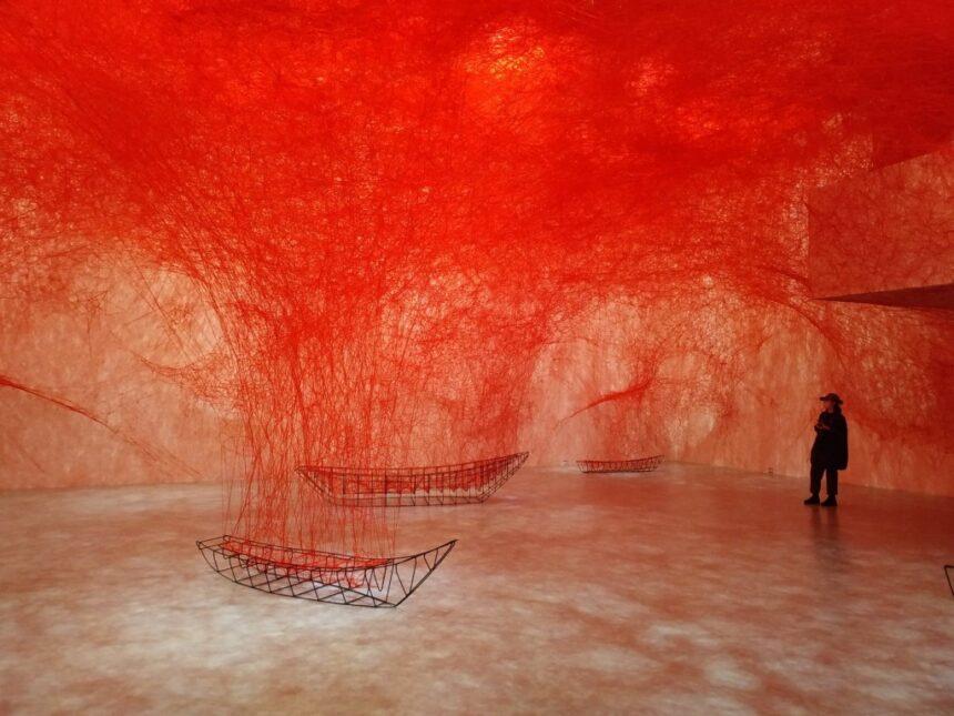 Масштабная выставка Тихару Сиоты открылась в Тайване