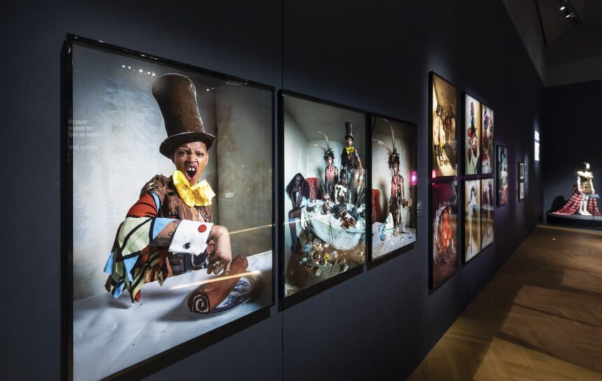 "Выставка ""Alice: Curiouser and Curiouser"""