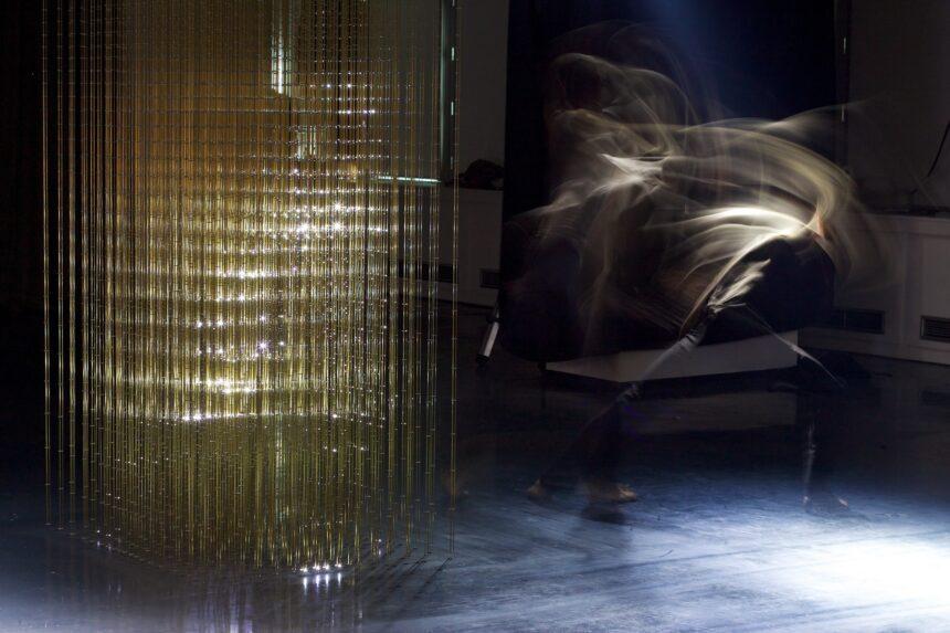 Михаил Барышников и Ян Фабр представят в Венеции экспериментальную инсталляцию