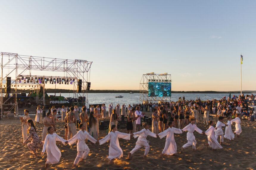 С7— 20июня 2021 года вСамаре прошел пятый фестиваль «Волгафест»