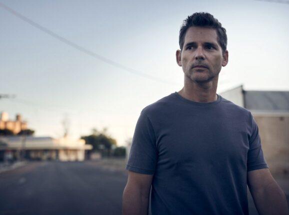 «Город тайн»: атмосферный детектив об австралийской глубинке с Эриком Баной