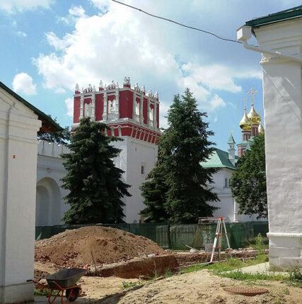 Реставраторы Новодевичьего монастыря обнаружили фрески конца XVI века