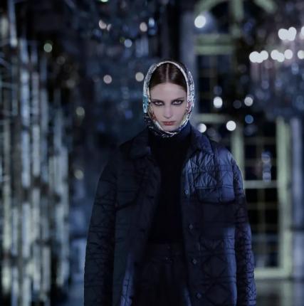 Одеться скромно: пять ключевых составляющих стиля modest fashion
